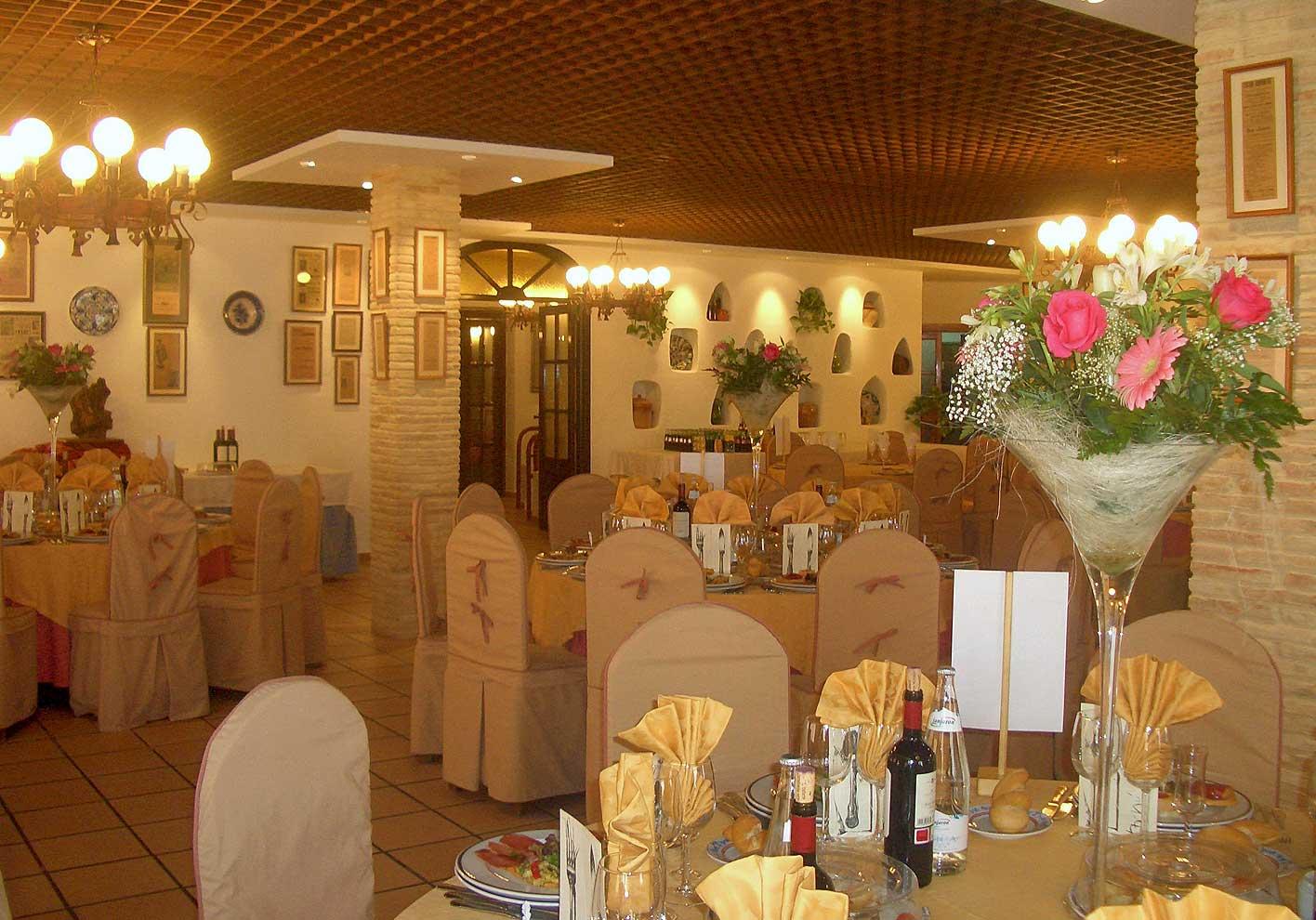 Facilities Hotel Restaurante Terraza Carmona In Vera Almeria